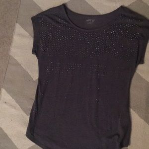 Short sleeve sparkly top